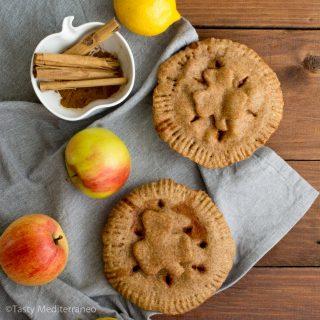 Vegan Irish apple pie with spelt & EVOO crust
