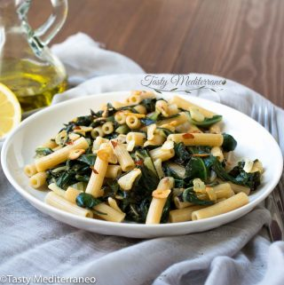 Spicy Mediterranean pasta with chard