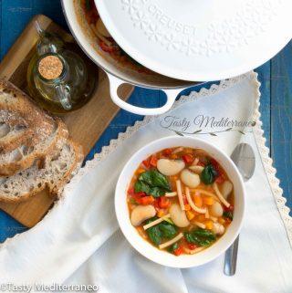 Pasta e Fagioli (Sopa de alubias blancas con pasta al estilo mediterráneo)