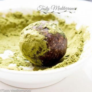 Matcha & cacao energy balls